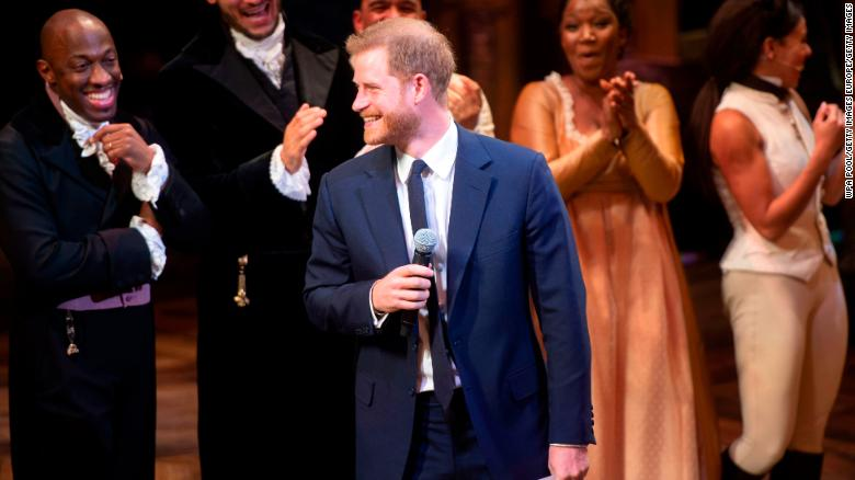 Prince Harry's brief vocal performance wows crowds