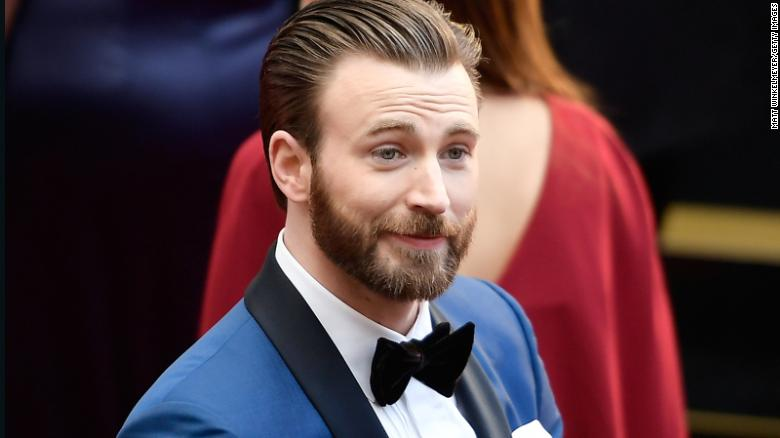 Chris Evans uses that NSFW pic for a patriotic purpose