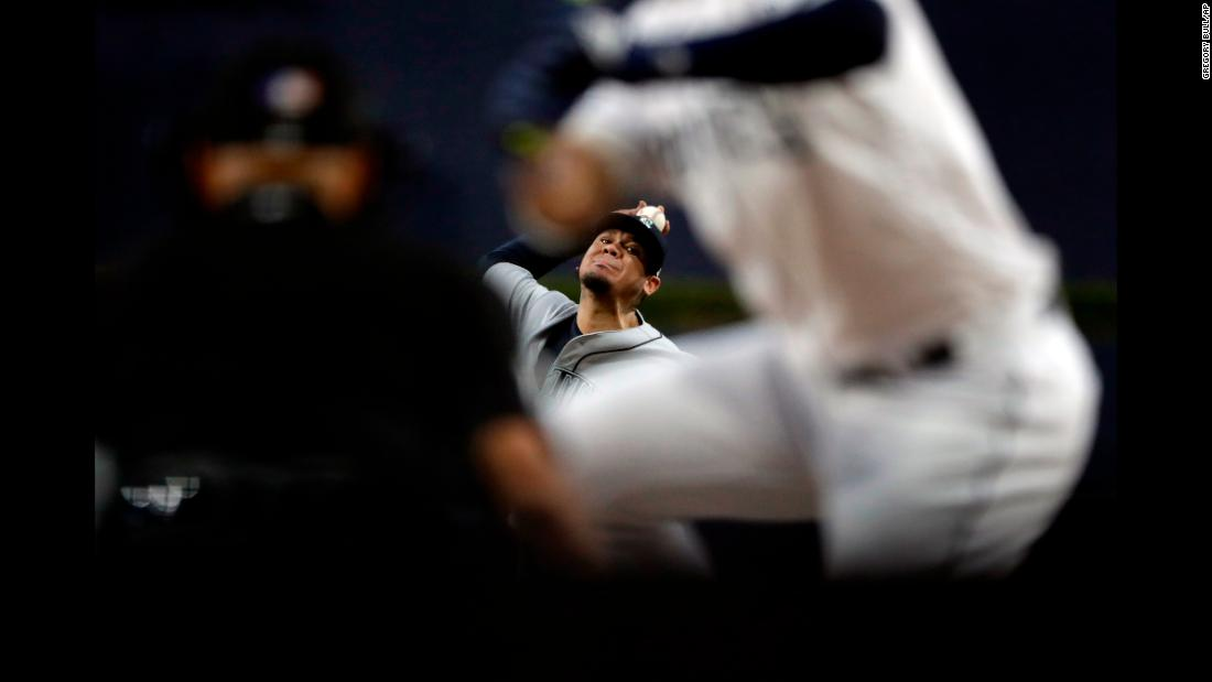 Seattle Mariners starting pitcher Félix Hernández works against a San Diego Padres batter during the first inning of a baseball game on Tuesday, August 28.