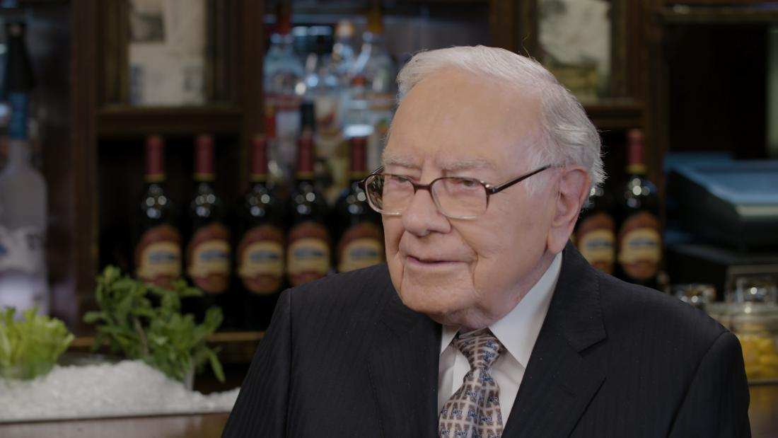 Buffett's Berkshire, hurt by Kraft Heinz, posts massive quarterly loss