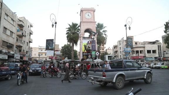 idlib syria residents wedeman pkg vpx_00004830.jpg
