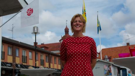 Helene Bjorklund, the mayor of Solvesborg and a Social Democrat, suggests that because Sweden has so few problems, migration receives most attention.