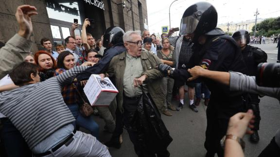 The largest number of detentions in protests in Russia were reportedly in St. Petersburg.