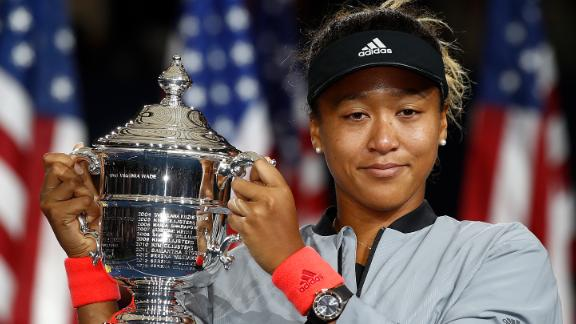 - The pair then met for a second time, at the 2018 US Open final. Serena was aiming for her 24th Grand Slam title and Osaka was competing in her first grand slam final.  Amid controversy involving her opponent and the umpire, the 20-year-old Japanese star deservedly won in straight sets for her biggest career win to date, earning $3.8 million in the process.