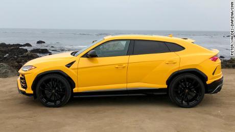 Lamborghini Urus Looks Like An Suv Drives Like A Supercar Cnn