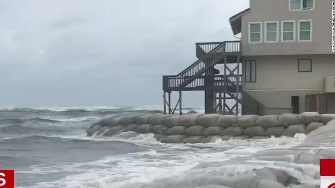Hurricane Florence starts flooding parts of the Carolinas