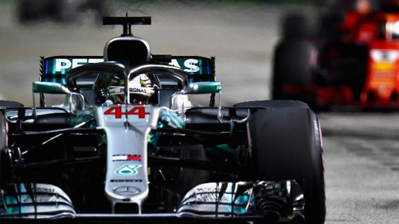 Lewis Hamilton led from pole position in his famous No.44 Mercedes and took his seventh victory of the season on the Marina Bay street circuit in Singapore.