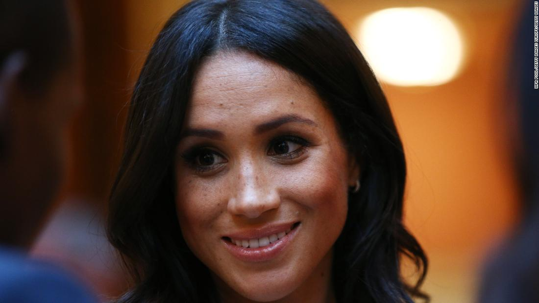 Meghan Markle, Kate Middleton online abuse prompts campaign from celebrity magazine - CNN thumbnail