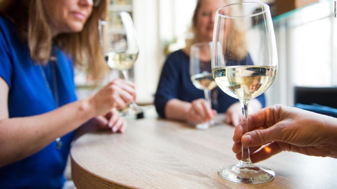 Middle-age drinkers more concerned about reputation than health risks, study says