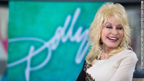Dolly Parton refuses to ride Dollywood rides because it will mess up