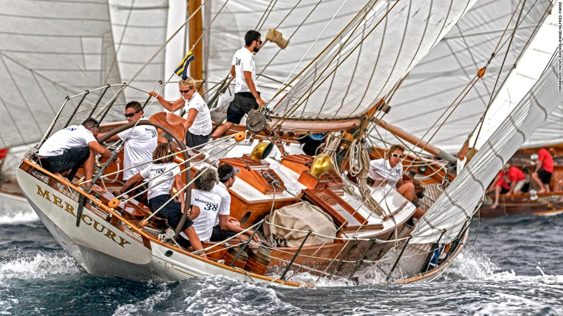 Alfred Farre's chosen photograph shows the Mercury's crew near Barcelona during the XI Puig Vela Clàssica.