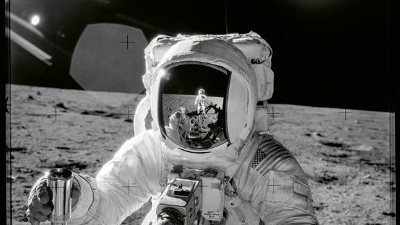 Difficult conditions, such as operating in low-gravity conditions in bulky space suits, often interfered with astronauts' abilities to take photos.