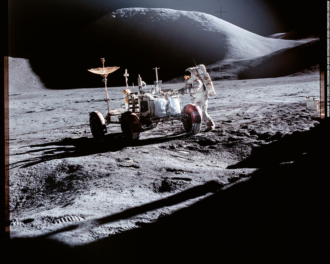 eeac456dcafc Earth s oldest rock was found by Apollo 14 astronauts -- on the moon ...