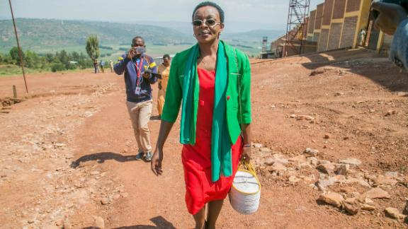 Rwandan opposition leader Victoire Ingabire leaves Nyarugenge prison on early release on September 15, 2018. 2,140 other prisoners were also released on a presidential pardon.