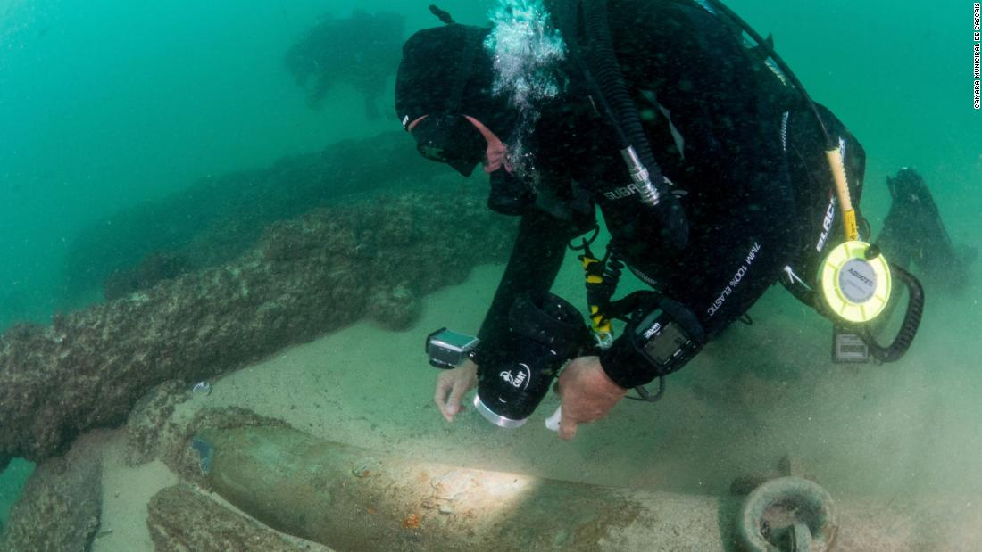 Centuries-old shipwreck found in Portugal