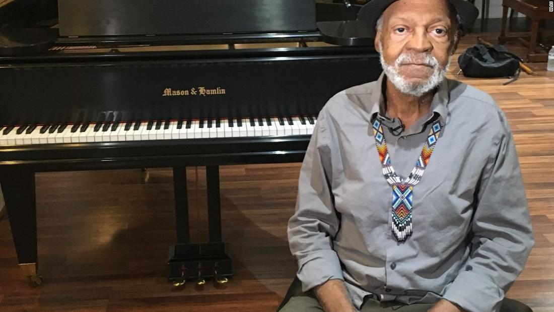 Pianist says music helped him through homelessness
