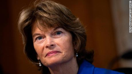Cracks emerging among Senate Republicans as Murkowski calls for end to shutdown