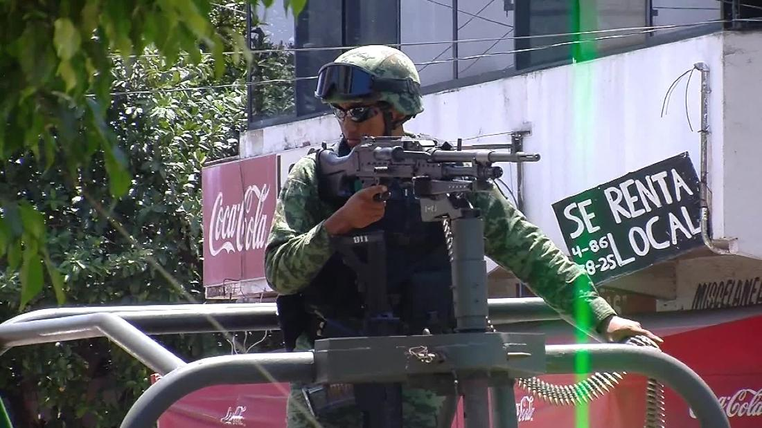 Mexican authorities seize control of Acapulco police
