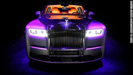 New Rolls Royce >> Rolls Royce Redefines Comfort In The Phantom Cnn Video