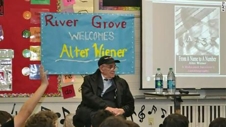 Alter Wiener  addresses a group of students at River Grover Elementary School in Lake Oswego, Oregon.