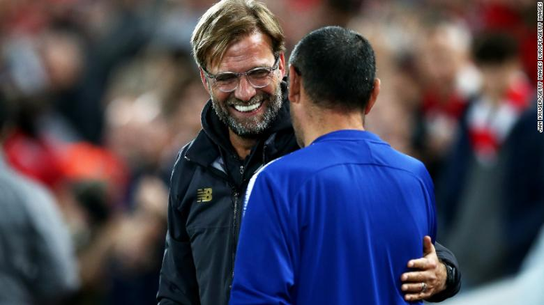 Liverpool manager Jurgen Klopp shares a joke with Chelsea counterpart Maurizio Sarri ahead of third round match.