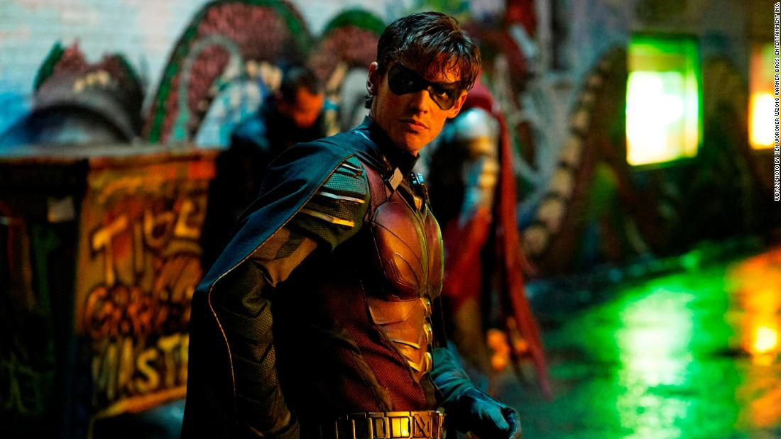 'Titans' launches DC battle to turn heroes into subscribers
