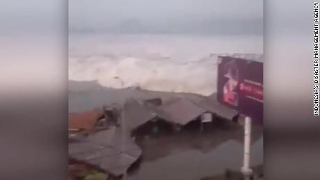 Indonesian suku puoli video