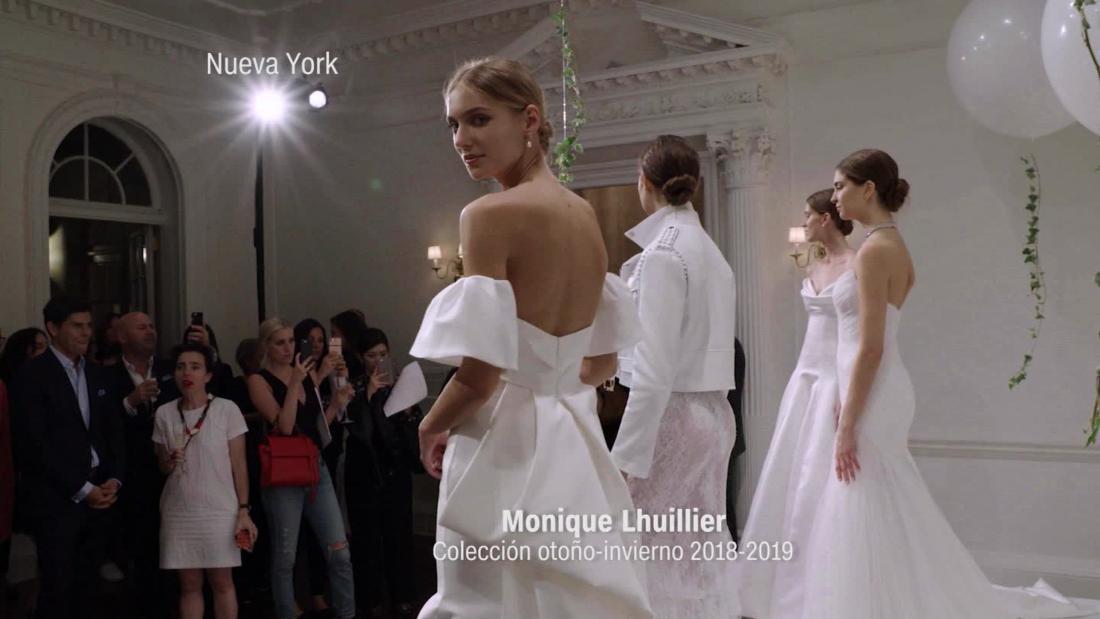 Pasarela Monique Lhuillier Otono Invierno 2018 2019 Cnn Video - Novias-de-invierno