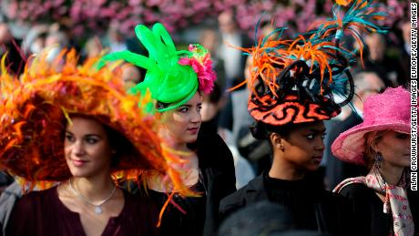 LONGCHAMP, FRANCE - OCTOBER 07: Fashion at Longchamp racecourse on October 07, 2012 in Paris, France. (Photo by Alan Crowhurst/Getty Images)