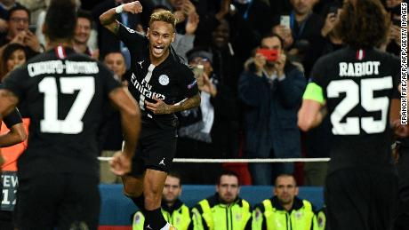 d4ef3035287 Neymar scored two free kicks to complete a stunning hat-trick as PSG routed  Red