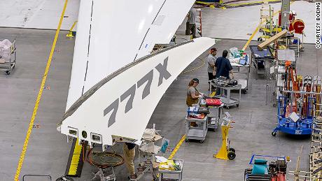 Boeing's 777X jetliner has folding wings that will amaze you