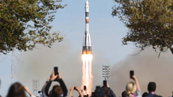 KAZAKHSTAN - OCTOBER 11, 2018: A Soyuz-FG rocket booster blasts off from the Baikonur Cosmodrome carrying the Soyuz MS-10 spacecraft with Roscosmos cosmonaut Alexei Ovchinin and NASA astronaut Nick Hague of the ISS Expedition 57/58 prime crew aboard to the International Space Station (ISS). Sergei Savostyanov/TASS (Photo by Donat Sorokin\TASS via Getty Images)