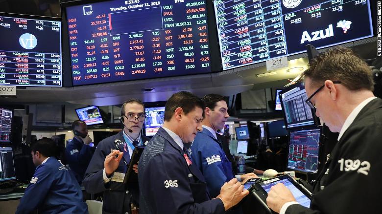 Dow Soars As Investors Cheer Fat Corporate Profits Cnn