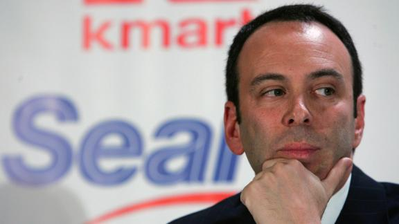(NYT21) NEW YORK -- Nov. 17, 2004 -- KMART-SEARS-6 -- Edward S. Lampert, chairman of Kmart, at a news conference in New York on Wednesday, Nov. 17, 2004. Kmart Holding Corp. and Sears, Roebuck and Co. said Wednesday that they are merging to form a new retail company called Sears Holdings Corp. that will be the nationâ??s third-largest retailer with about $55 billion in annual revenues. (Vincent Laforet/The New York Times)