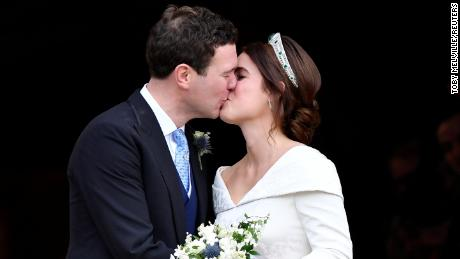 Princess Eugenie And Jack Brooksbank Kiss After Their Wedding At St George S Chapel In Windsor Castle