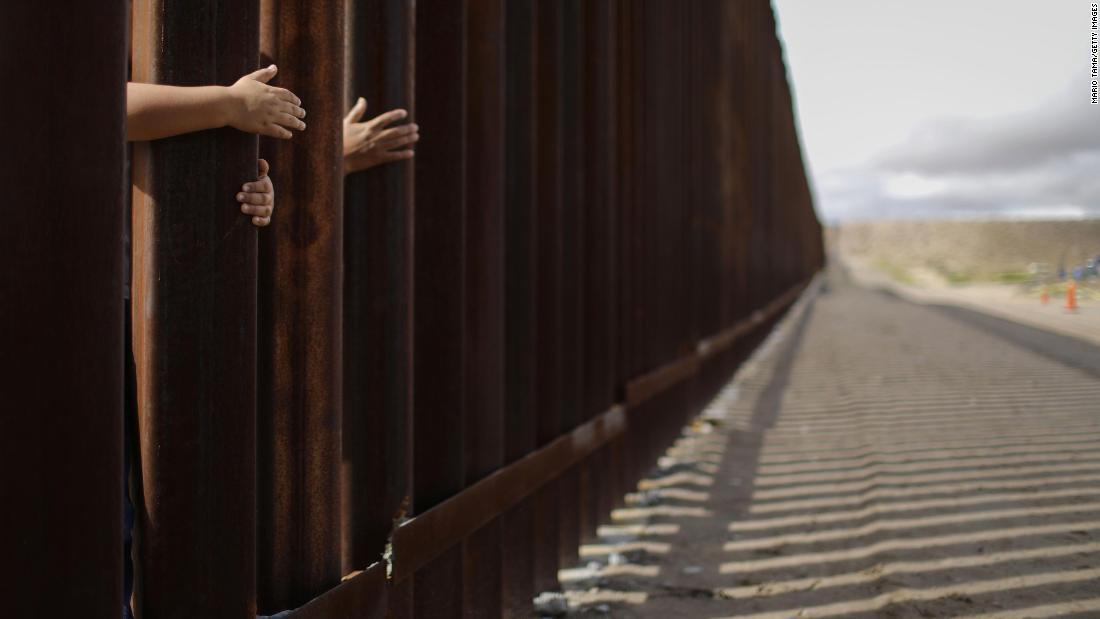 gofundme border wall millions raised by amputee veteran cnn