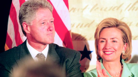 WASHINGTON DC  -- SEPTEMBER 10: President Bill Clinton and First Lady Hillary Clinton at the Democratic Business Leaders event, the day after Special Prosecutor Kenneth Starr sent his report of impeachable offenses to Congress,  Washington, DC, September 10, 1998. (Photo by David Hume Kennerly/Getty Images)
