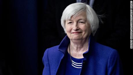 Yellen defends the Fed against Trump's attacks