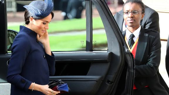 Britain's Meghan, Duchess of Sussex arrive to attend the wedding of Britain's Princess Eugenie of York to Jack Brooksbank at St George's Chapel, Windsor Castle, in Windsor, on October 12, 2018. (Photo by Gareth Fuller / POOL / AFP)        (Photo credit should read GARETH FULLER/AFP/Getty Images)