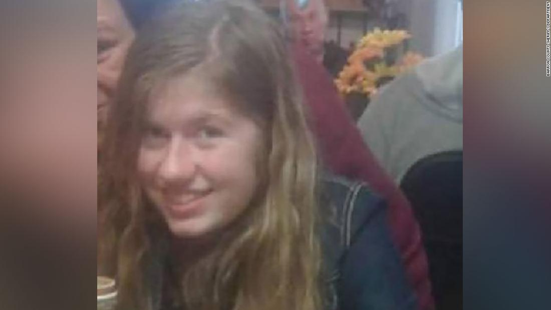 The FBI asks for the public's help in finding missing girl whose parents were fo...