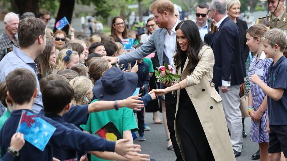 Harry and Meghan visit Albert Park Primary School in Melbourne.