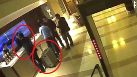 This image purports to show  Mutreb checking out of a hotel near the consulate.