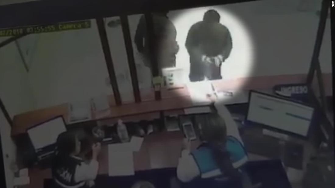 a5e1e6dc5944 Exjuez peruano César Hinostroza es detenido en España - CNN Video