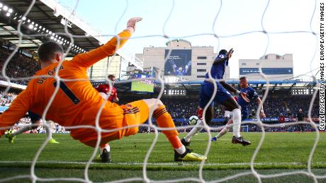 Ross Barkley pounces to score his team's second goal.