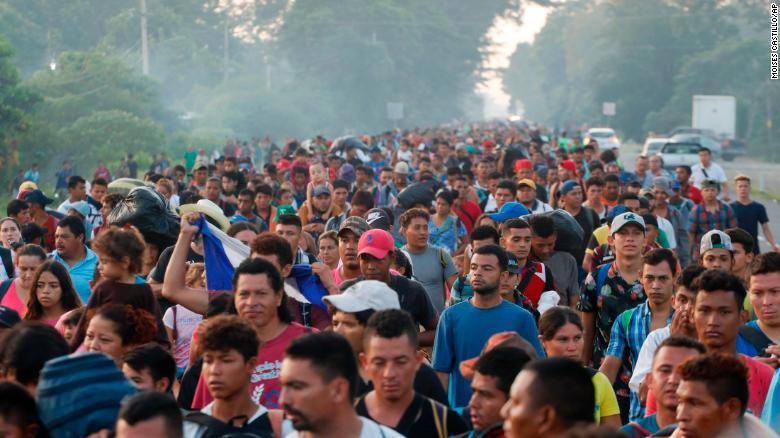 Migrant caravan resumes march north from Mexico-Guatemala border