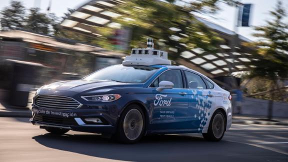 In the United States, Ford is already testing its self-driving cars in Miami and plans to bring them to Washington.