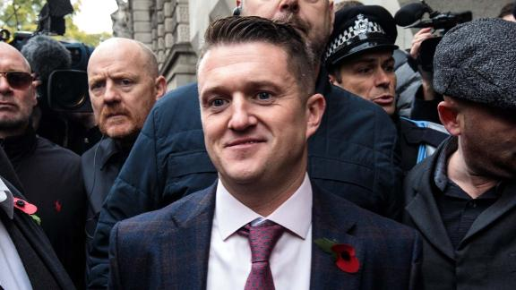 LONDON, ENGLAND - OCTOBER 23: Far-right figurehead Tommy Robinson, real name Stephen Yaxley-Lennon arrives at the Old Bailey on October 23, 2018 in London, England. The Former English Defence League leader and British National Party member is facing a re-trial on charges of contempt. (Photo by Jack Taylor/Getty Images)