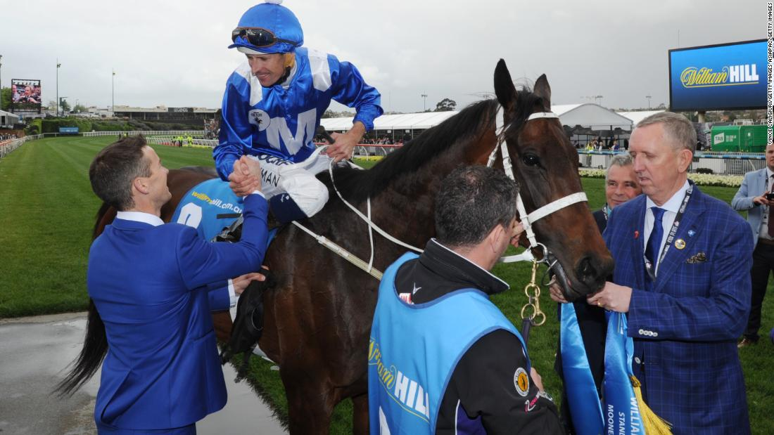 Winx secured back-to-back Cox Plate victories in 2016. She also claimed successive Australian Champion Racehorse of the Year awards.
