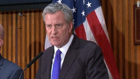 New York Mayor Bill de Blasio backs pot legalization expunging past convictions for low-level crimes.