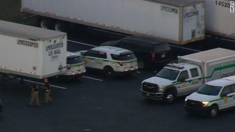 Miami bomb squad inspects mail facility